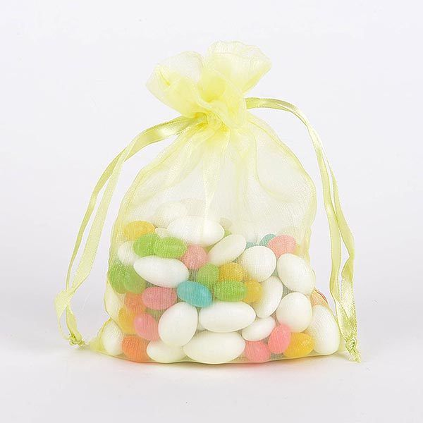 Best quality organza bags available at wholesale cheap prices. We have the small and big sized organza favor bags suitable for all gifts. Buy organza gift bags in bulk and save more. - http://www.fuzzyfabric.com/organza-bags/