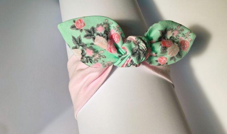 Opaska bawełniana pin-up róż mięta w róże - MadebyKaza - Opaski dla niemowląt