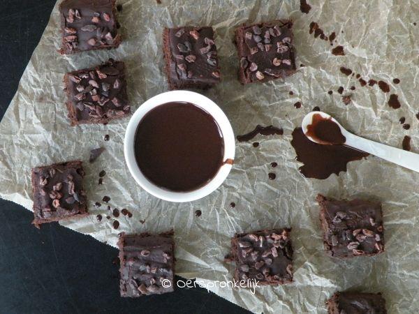 Waarom genieten van je maaltijd belangrijk is, en eten en stress niet samen gaan + Recept: kokosvrije brownie