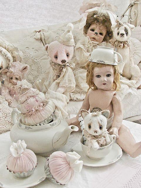 Waar nostalgie en romantiek elkaar ontmoeten...: De poppen en berenkamer...