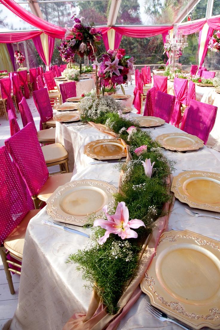 Wedding Decor / interesting table setup <3