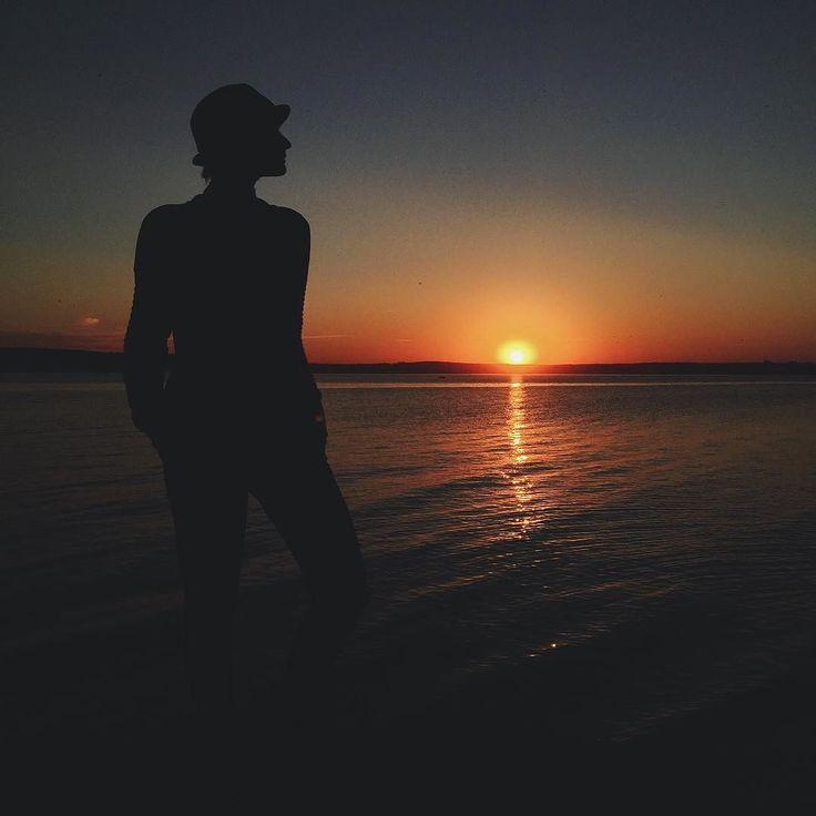"Японская легенда гласит: если вы не можете уснуть ночью значит вы сейчас бодрствуете в чьем-то сне... #alinaukolova#фотоменя#instagram#vscomoment#relax#наайфон#iphone6plusphoto#instalovers#фотонаайфон#фотонателефон#instagood#instavsco#photooftheday#chelyabinsk#portrait#portraits_ig#pacification#photostory#vscomoment#lovely#instagood#insta#цитаты#слова#мысли#наайфон#iPhonephoto#челябинск#chelly#chel#74#sunset# by alinaukolova Follow ""DIY iPhone 6/ 6S Plus Cases/ Covers/ Sleeves"" board on…"