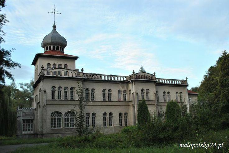 Pałac w Osieku (woj. małopolskie). http://www.malopolska24.pl/index.php/2013/11/orientalny-osiek-palac-w-osieku/