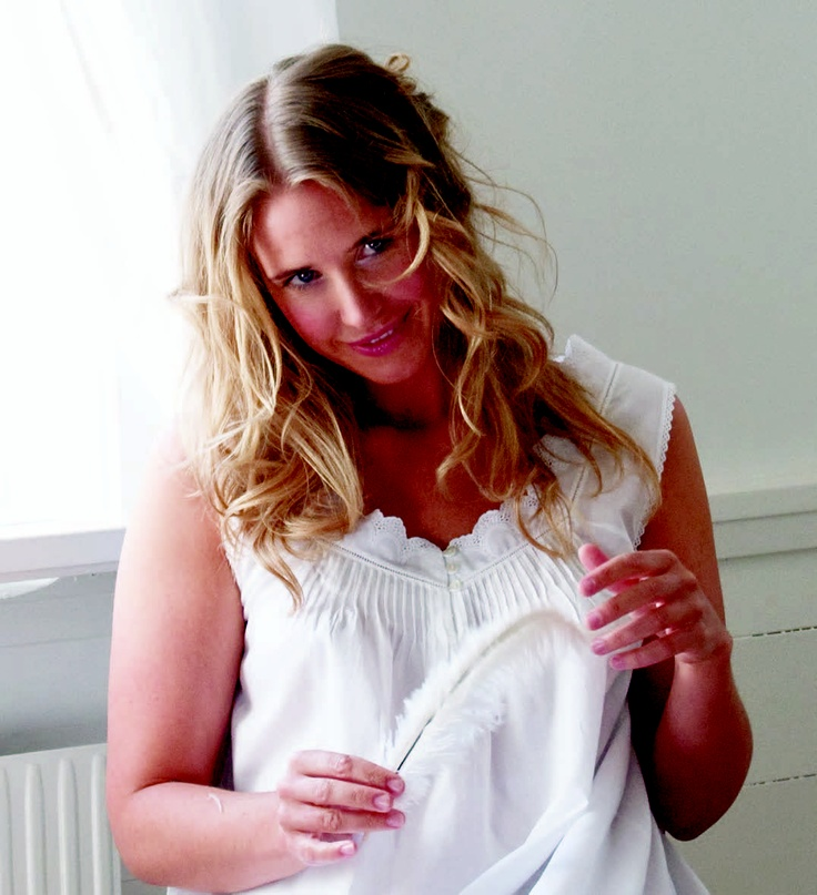 Sand nighty...pintucks and lace. White cotton batiste...lovely :)