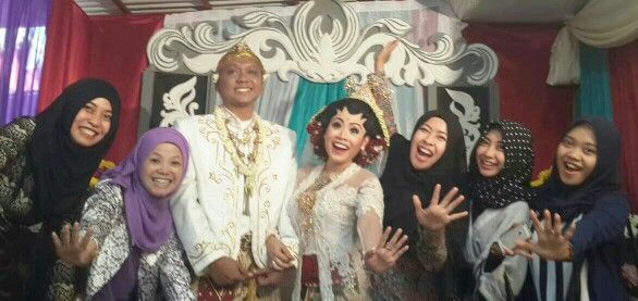 #friend #briedsmaid #wedding #akadnikah #white #java #eedding #jawa