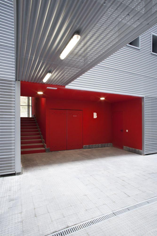 Gallery of Los Olivos 53 Houses and 58 Garages / Espaciopapel - 3