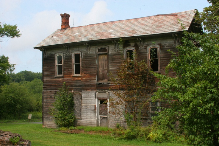 Abandoned farmhouse butler pa i miss the green and the for Butler building homes