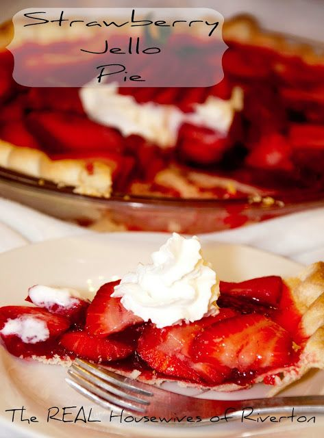 Strawberry Jello Pie | www.housewivesofriverton.com