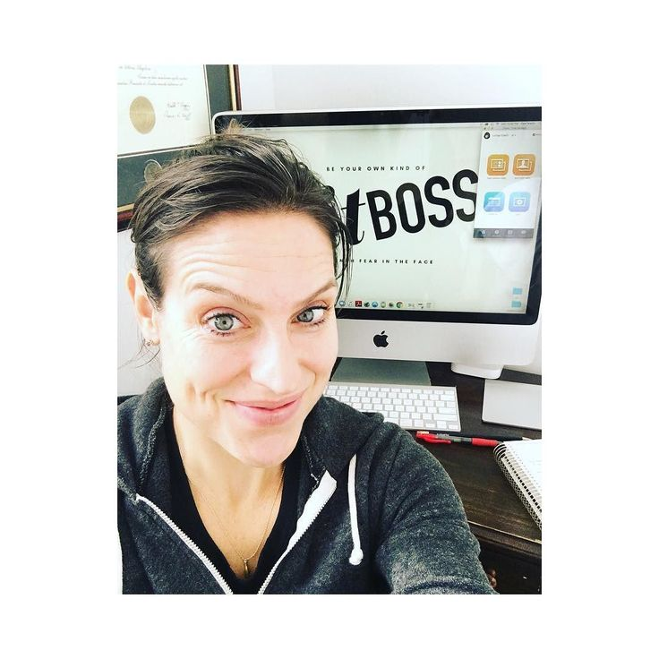 Yup! I just attended a team zoom call sweaty from PiYO no makeup  wet gym clothes!  But I seriously  that I can work my coaching biz from home with peeps from all over North America! Isn't that totally rad??!!  It's freezing out there in NYC today! Feeling super grateful I took the leap to start this biz 2 yrs ago ... was it worth the sacrifices? Struggles? Fears? YES!!! 100%  So when your fears take over you just envision where you'll be in 2 years!!