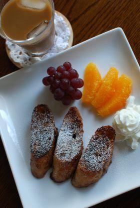 「大人気♪チョコフレンチトースト」こたみや | お菓子・パンのレシピや作り方【corecle*コレクル】