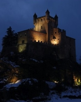 Saint Pierre Castle - Aosta Valley  #italian #alps #aostavalley #nationalparkgranparadiso #granparadiso #nationalpark #travel #holiday