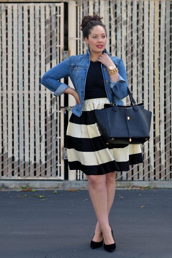 Die kurvige Fashion-Bloggerin Tanesha von Girl with Curves legt mit ihrem Streetstyle mit gestreiftem Glockenrock (von Kate Spade) mal wieder einen