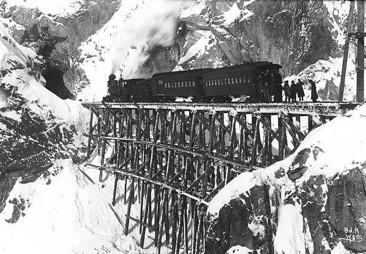 File:Whitepass-train-1899-2.jpg
