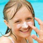 A menor edad, mayor protección contra el sol http://farmatodo.wordpress.com/2010/08/09/a-menor-edad-mayor-proteccion-contra-el-sol/