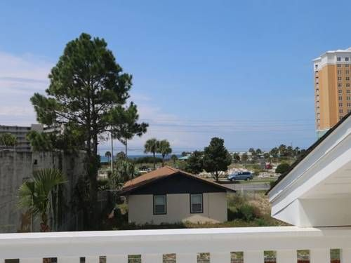 Brookenz Beach Home|Panama City (Florida) Panama City (Florida) Featuring a patio, Brookenz Beach Home|Panama City (Florida) is a holiday home set in Panama City Beach, 1 km from Ripley's Believe it or Not!. The unit is 1.3 km from Panama City Beach.