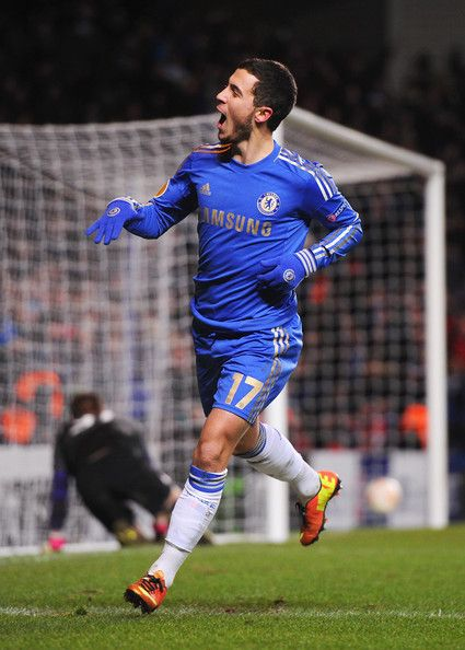 Eden Hazard Photos - Eden Hazard of Chelsea celebrates his goal during the UEFA Europa League Round of 32 second leg match between Chelsea and Sparta Praha at Stamford Bridge on February 21, 2013 in London, England. - Chelsea FC v AC Sparta Praha - UEFA Europa League Round of 32