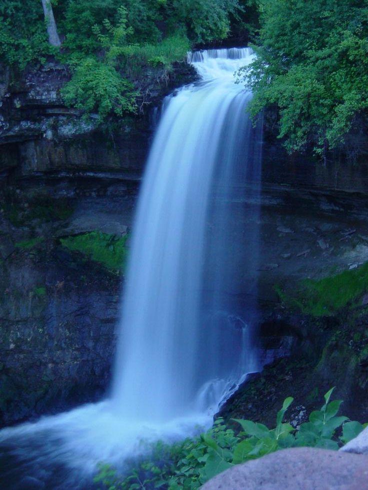 Minnehaha Falls #Minneapolis: Travel Waterf, Minnesota Waterf, Travel Inspiration, Waterfalls Waterf, Minnehaha Fall, Fall Minneapolis, Minnehaha Parks, Minneapolis Mn, Fun Place