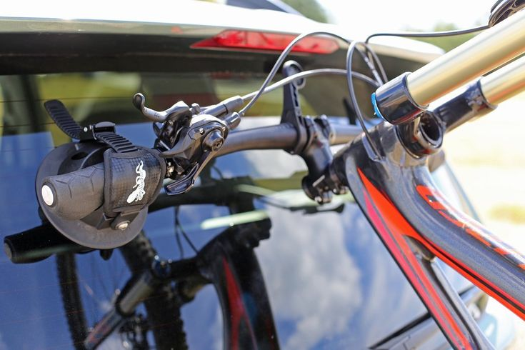 Hornet - Hatchback/SUV Bike Rack SeaSucker