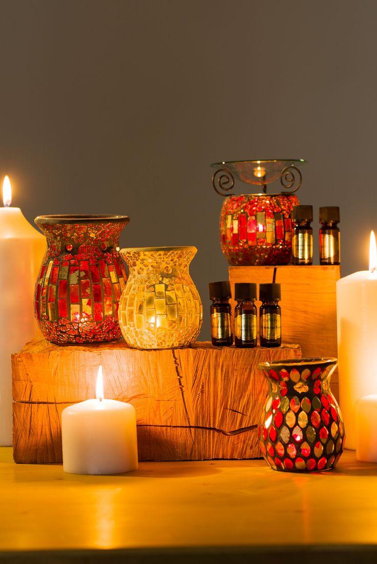 Jolie collection de bougeoirs et brûle parfum pour donner une ambiance feutrée et zen dans