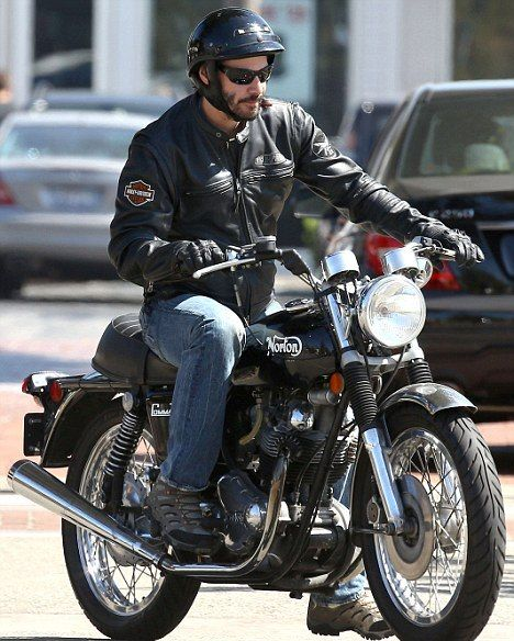 Keanu Reeves Goes for a Ride in Malibu - Keanu Reeves has always been spotted with his vintage Norton Commando Motorbike for the past few months.        And last Sunday was no exception as the 48 year old Canadian actor took his hog for another spin