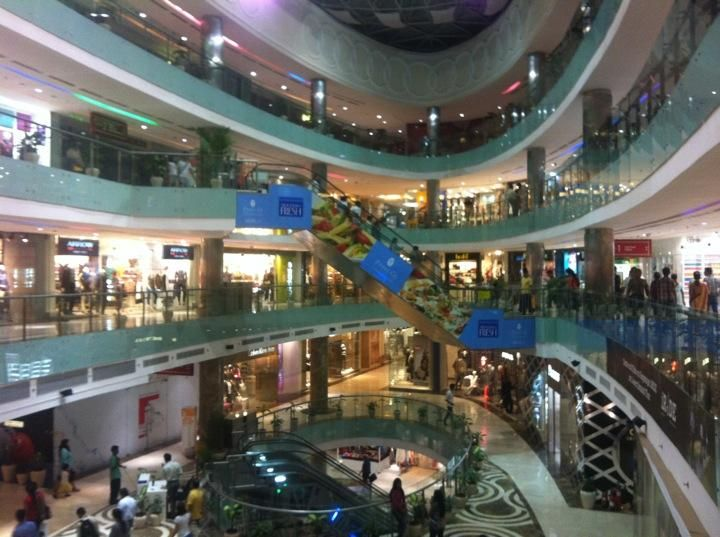 Ambience Mall - Large malls like this will service all of your souvenir needs #NewDelhi