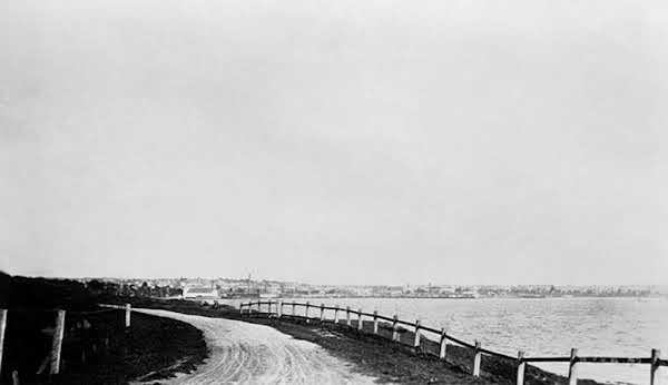 Geelong, view of the sea. VicRoads Centenary 1913-2013.