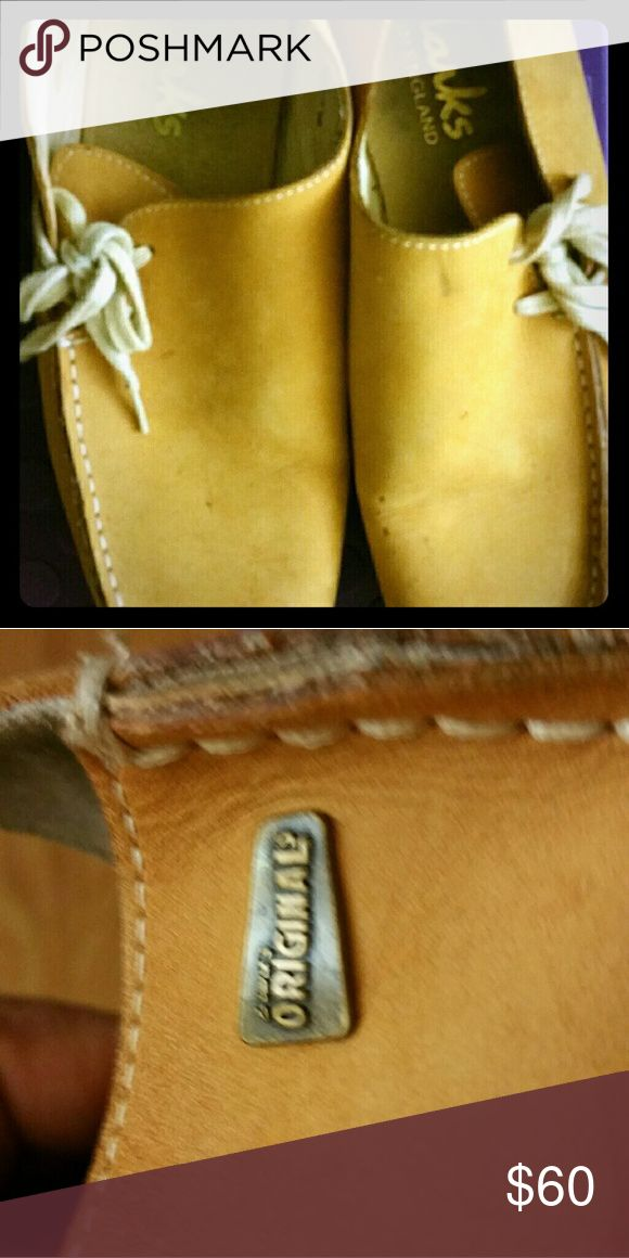 Men's Clarks nice pair of gently used men's clarks. Size 8.5 Clarks Shoes Loafers & Slip-Ons
