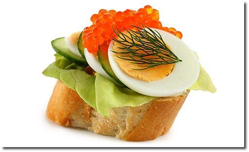 Canapes mit Eiern