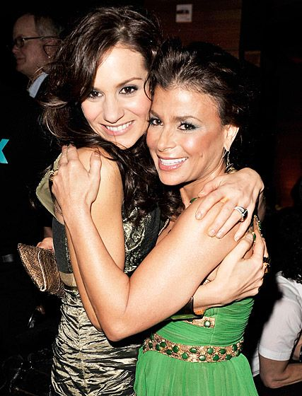 "Kara DioGuardi and Paula Abdul~""Before DioGuardi joined American Idol, she bunked at Abdul's house off and on for a year. Abdul called DioGuardi ""the best roommate that I ever had...but she walks in her sleep!"""