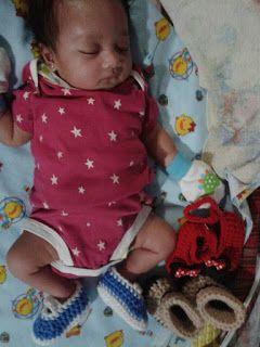 Fairy Handmade: Sepatu bayi rajutan