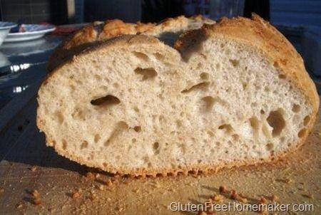 Fácil duro sem glúten pão francês feito em menos de uma hora!  Ele irá satisfazer os seus desejos de pão e verdadeiramente atingido o local.