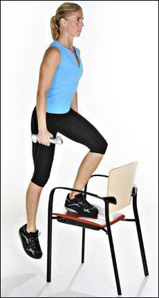 Gjør det enkelt! Bruk gjerne en stol til å trene lår- og setemuskler. Foto: Mattis Sandblad