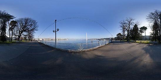 Panoráma Ženevské jazero z promenády, Mesto Ženeva, Ženeva, Švajčiarsko.