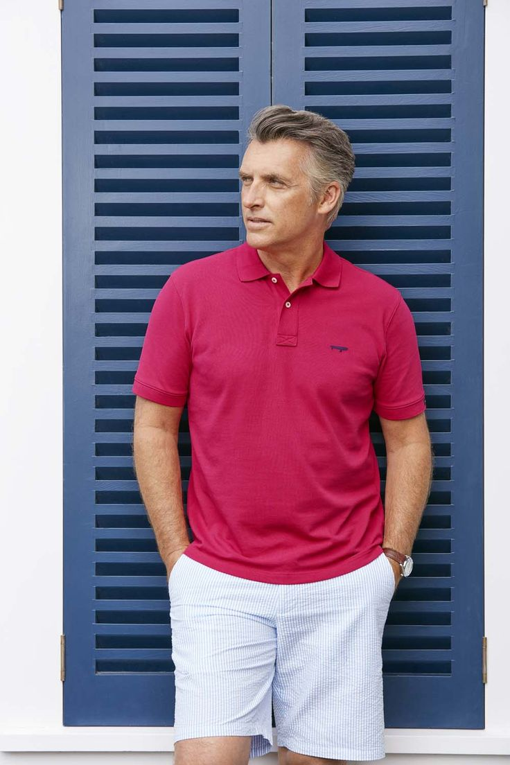The classic pique polo shirt is an essential in any man's wardrobe. Ideal from its multiuse – from golf course to under the jacket at the club house or with a jean or short on the weekend.