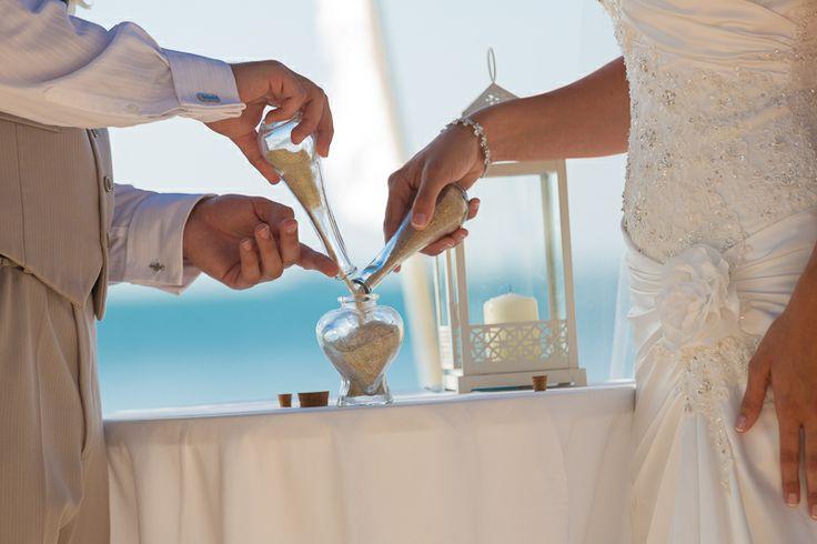 Blending of the sands, sand ceremony beach thai wedding