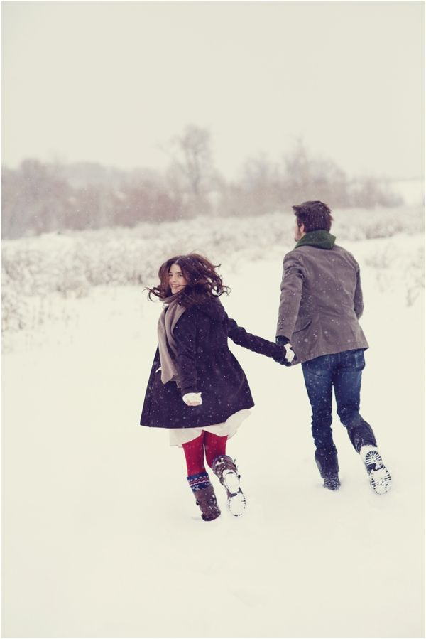 Snowy Winter Engagement Session by Stephanie Sunderland Photography // see more on lemagnifiqueblog.com
