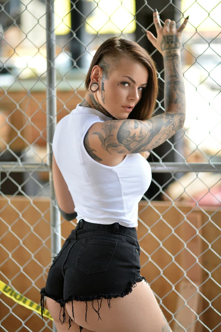 Cesar Isabel's Portfolio - NYC Portraits ( headshots, acting headshots, girl portrait, tattoo model, tattooed, inked girls, tattooed girls)