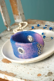 Creating felted jewelry - from I Felt Awesome