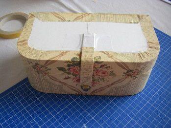 Hello Je vous montre la suite du tuto box couture les photos sont souvent plus parlante que tout autre chose Une fois que les boites sont montées avec le soin habituel c'est le même procédé que la boite ronde que je vous avais montré ici tuto boite ronde...