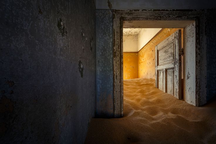 Warm and cold colors in Kolmanskop by Michael Dessagne on 500px