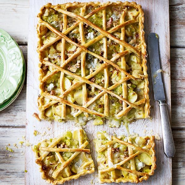 The classic combination of potato and leek goes perfectly with rich gorgonzola to make this fabulous vegetarian tart recipe.