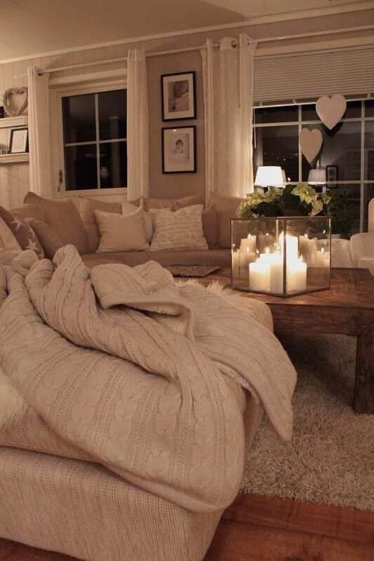 I'm not big into neutral tones but love this! Looks so warm and inviting.
