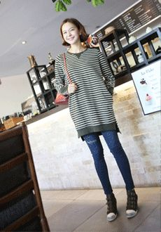 Today's Hot Pick :Striped Longline Shirt with Color Accents http://fashionstylep.com/SFSELFAA0015990/min3111enn/out Generously designed with classy patterns that never fail. This shirt features a round neckline, long sleeves, longline look, color accents in small panels on the sleeves and cuts