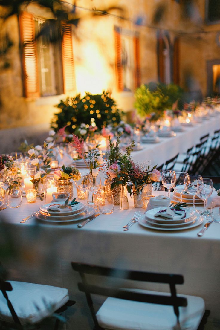 Wildflower Centerpieces Tuscany Wedding | photography by http://www.cinziabruschini.it Flowers by Jardin Divers www.jardindivers.it @jardindivers wedding in italy, italian wedding, tuscany wedding, romantic wedding, flower wedding, outdoor wedding, long table receivement, Casa Mora