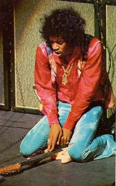 An analysis of the jimi hendrix experience in popular music by jimi hendrix