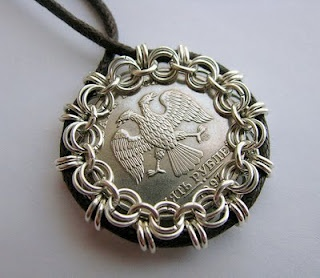 Chain Mail Bezel for CoinsChains Together, Artists Life, Mail Bezel, Coins, Chain Mail, Jewelry Ideas, Bezel Tutorials, Crafts, Chainmail