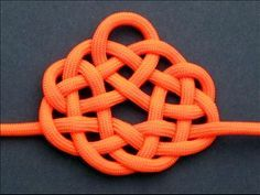 Cool site that teaches you how to tie lots of great knots.