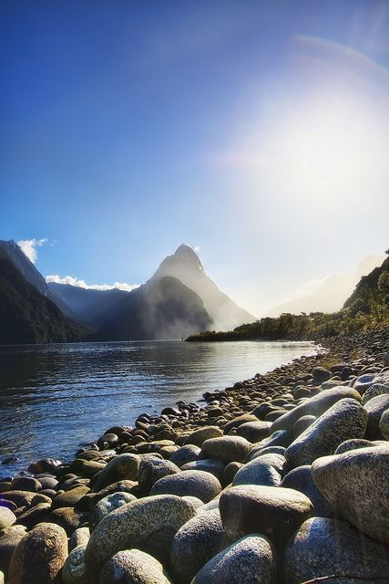 Mitre Peak, New Zealand. | Stunning Places