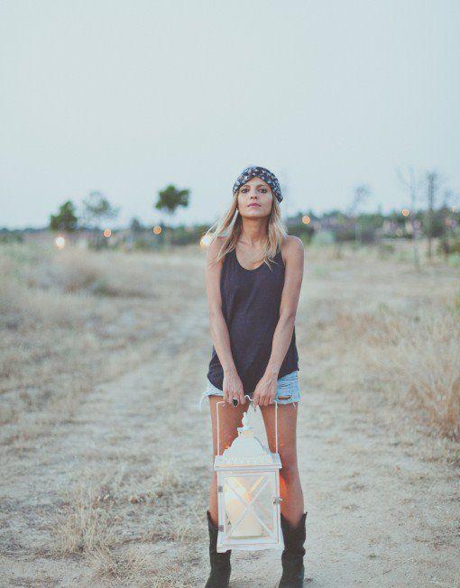 ... Cintas ...  Favorecedor complemento para #looks de #otoño.   Este modelo (Venecia) en tonos azul, negros y sienas, dan a la gasa estampada un aspecto sobrio y elegante. Con goma forrada atrás para un mejor ajuste, tendrás el #outfit perfecto en los días de otoño.  Entra en http://grettandhipp.com/ y descubre una temporada llena de estilo.  Feliz jueves  Equipo Grett & Hipp  #Grettandhipp #Cintas #CintasGrett #Complementos #Diademas #Fiesta #Moda #Plumas 