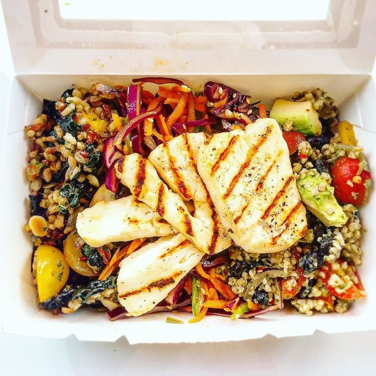 A feel-good lunch from @mapleandfitz with fresh grilled halloumi warm seasonal squash grain salad and the Mexican standoff salad too! #foodiefriday